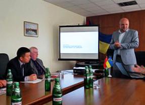 From right; Mayor of Bila Tserkva, Cindrigo Chairman Jörgen Andersson, CWPC International CEO Richard Liu.